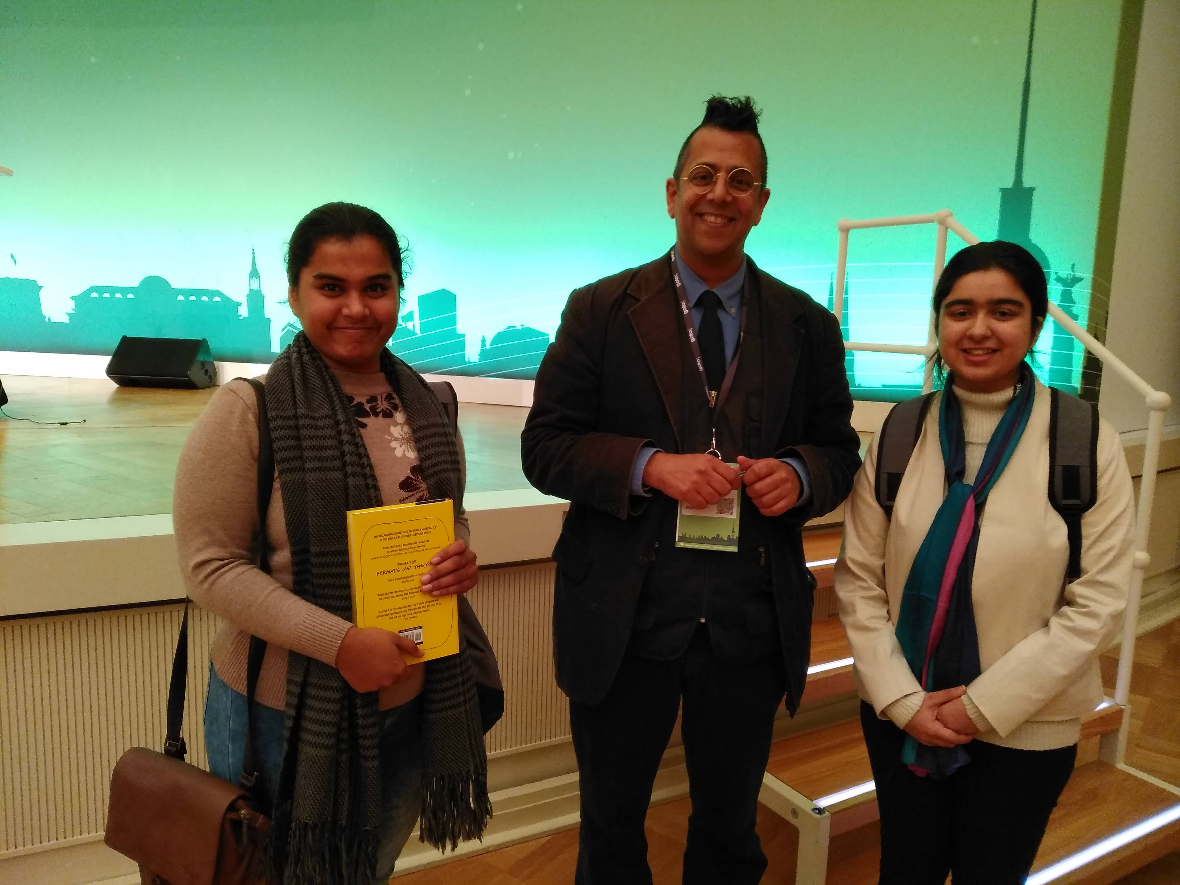 Rupal and Avneet with Simon Singh, a keynote speaker at GOTO Berlin